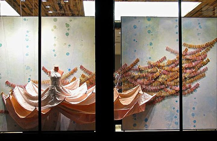 Anthropologie-window-displays-19