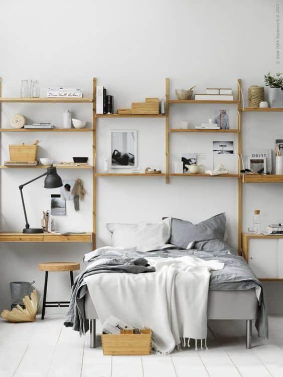 מדפים ספריה בחדר השינה