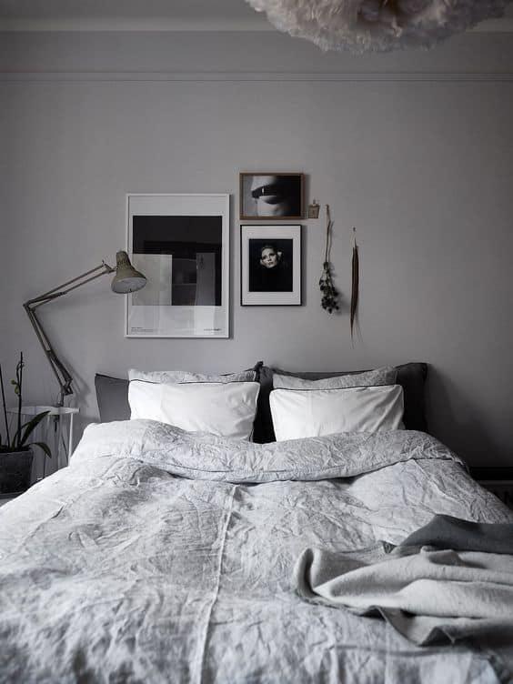 תמונות אומנות שחור לבן בחדר השינה